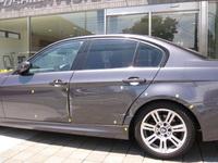 BMW 320i 損傷部分